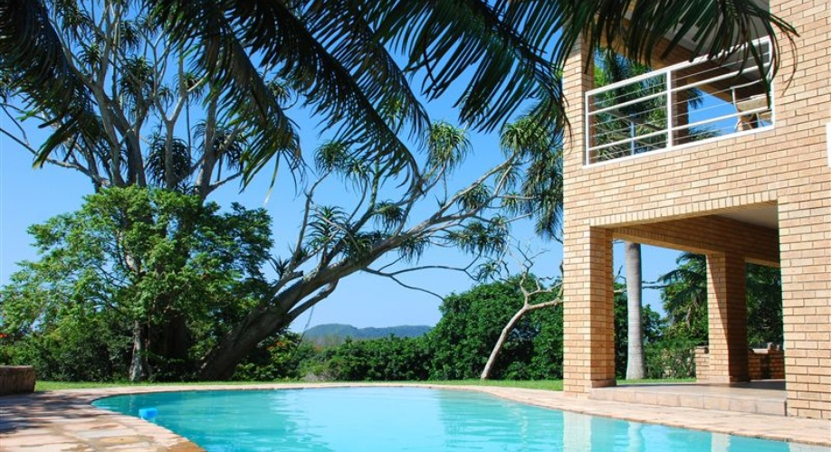 Ingwenya offers serviced, self-catering accommodation in a tranquil setting, in St Lucia.